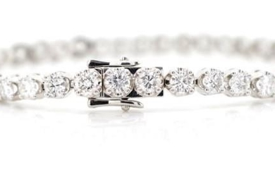 6.45ct diamond and 18ct white gold tennis bracelet marked 75...