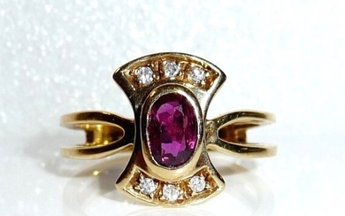 Aus Italien - 18 kt. Yellow gold - Ring - 0.50 ct Ruby - 0.12 ct. diamonds
