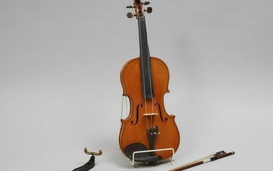 Contemporary Continental Violin, mid 20th century