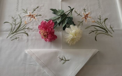 Linen blend tablecloth with hand stitch embroidery - 180 x 270 cm - Cotton, Linen - 21st century