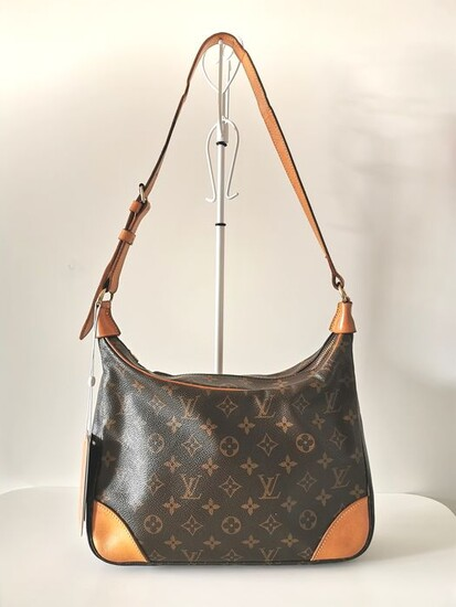 Louis Vuitton - Boulogne 30 Shoulder bag
