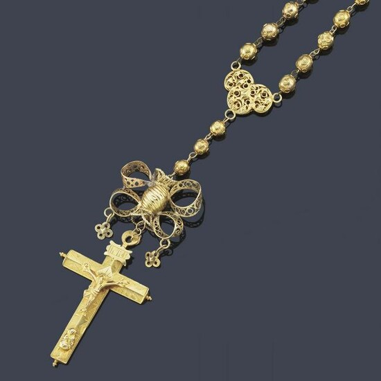 Rosary in 18K yellow gold with filigree details in 18K