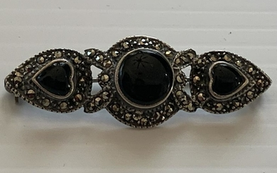 VINTAGE STERLING SILVER AND MARCASITE BROOCH