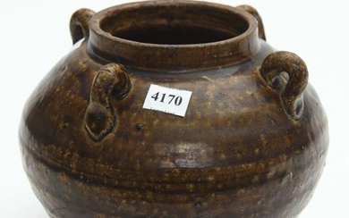 A CHINESE GLAZED POTTERY JAR, WITH FOUR LUG HANDLES, H. 19CM, LEONARD JOEL LOCAL DELIVERY SIZE: SMALL