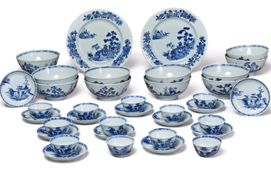 A GROUP OF CHINESE EXPORT BLUE AND WHITE WARES FROM THE NANKING CARGO | QING DYNASTY, QIANLONG PERIOD, CIRCA 1750 | 清乾隆 約1750年 青花山水圖瓷器一組