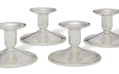 A SET OF FOUR AMERICAN SILVER SHORT CANDLESTICKS, MARK OF TIFFANY & CO., NEW YORK, SECOND HALF 20TH CENTURY