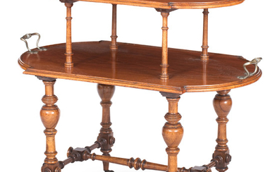 A late 19th/early 20th century walnut what not