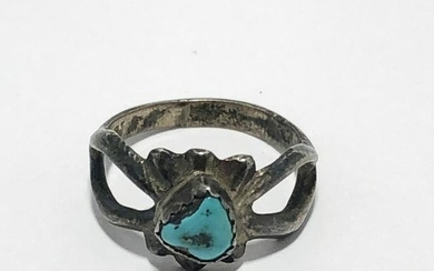 ANTIQUE STERLING SILVER & TURQUOISE RING SIZE 7