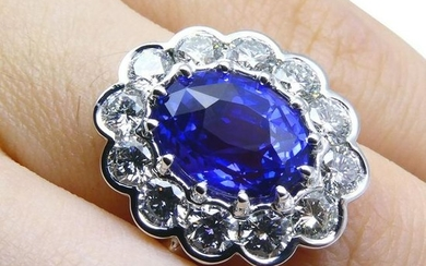 Fine Quality 4.64ct GIA Certified Color Change Sapphire