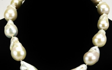 Necklace w Large Hand Knotted Cultured Pearls