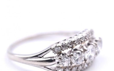 14k White Gold Vintage Diamond Band