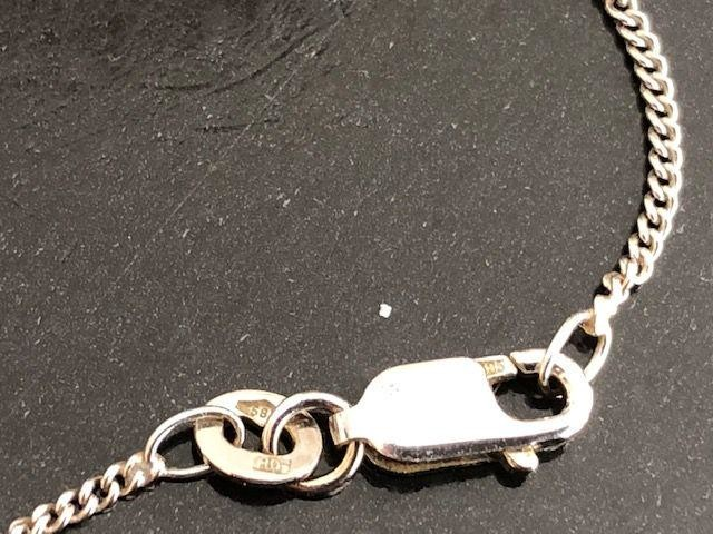 18 kt. White gold necklace with pendant approx 1.00 ct