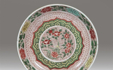 A Chinese famille verte-decorated porcelain large dish Kangxi period,...