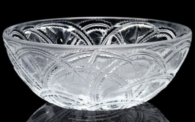 A LALIQUE CRYSTAL 'PINSON' BOWL WITH LOVE BIRDS