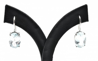 A PAIR OF AQUAMARINE EARRINGS IN 18CT WHITE GOLD