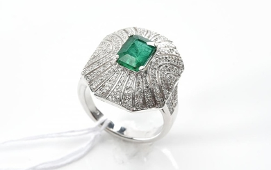 AN ART DECO STYLE EMERALD AND DIAMOND DRESS IN 18CT WHITE GOLD, APPROXIMATE EMERALD WEIGHT 1.89CTS, APPROXIMATE TOTAL DIAMOND WEIGHT...