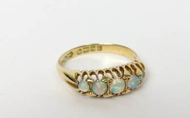 Five stone opal ring in 18ct gold, 1919. Size 'O'.