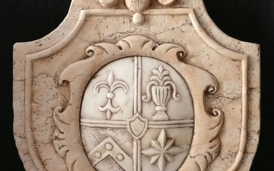 Florentine crest finely carved - 45 cm x 37 cm - Nembro Rosa marble and Carrara marble