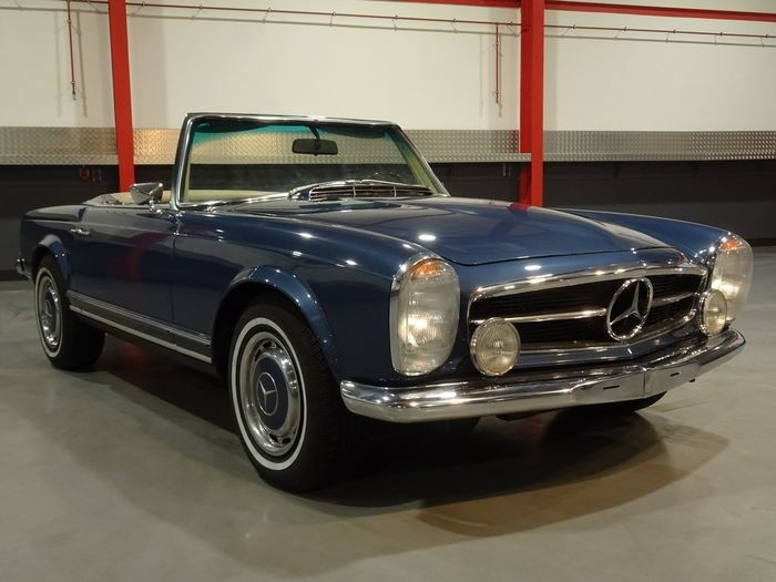 "Mercedes-Benz - 280SL ""Pagode"" Roadster (W113) - 1969"