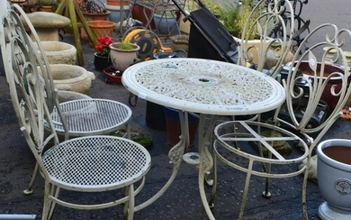 SOLID GOOD QUALITY! A garden iron work table diameter 48cm a...