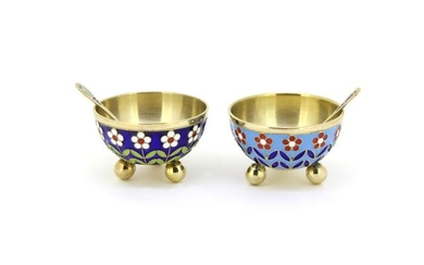 Salt cellar, Pair of Salt/Pepper cellars (2) - .916 (88 Zolotniki) silver, Cloisonné enamel - Russia - Second half 20th century