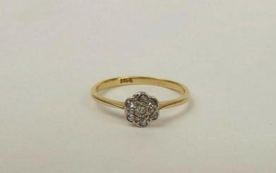 18ct Yellow Gold Diamond Flower Head Ring UK Size O US