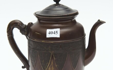 A 19TH CENTURY SIGNED ORIENTAL BRONZE TEAPOT WITH SERPENT HANDLE, 22 CM HIGH