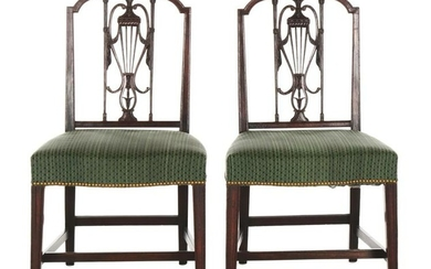 A PAIR OF PHILADELPHIA NEOCLASSICAL SIDECHAIRS.