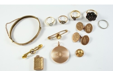 A QUANTITY OF JEWELLERY including a pair of 9ct gold oval sh...