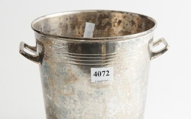 A SILVERPLATED ICE BUCKET, 16 CM HIGH, LEONARD JOEL LOCAL DELIVERY SIZE: SMALL
