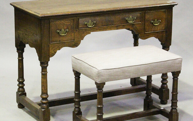 A modern 18th century style oak dressing table by Bylaw, height 76cm, width 106cm, depth 50cm, toget