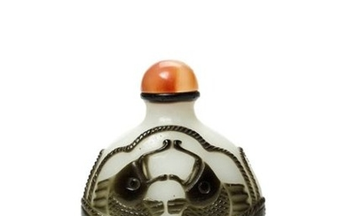 AN OVERLAY GLASS SNUFF BOTTLE, QING OR REPUBLIC...