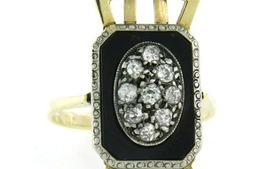 Art Deco ring with onyx and diamonds