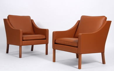 Børge Mogensen. A pair of lounge chairs, Model 2207, recently reupholstered (2)