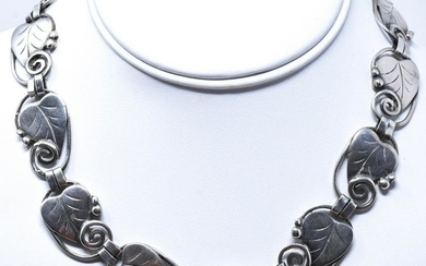C 1930s Sterling Silver Arts & Crafts Necklace
