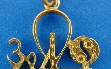 JUDAICA Piaget 18k Yellow Gold Pendant Charm