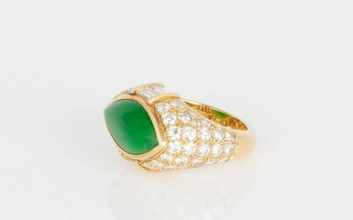 Ladies 18kt Gold, Diamond and Jadeite Ring