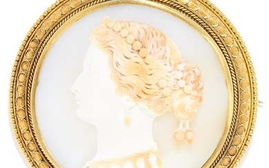ANTIQUE CARVED CAMEO BROOCH, 19TH CENTURY in high carat