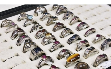 A collection of 35 silver rings (35), set with various gemst...