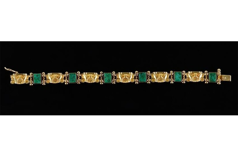 An 18 Karat Yellow Gold Bracelet.