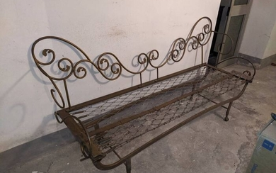 Antique iron sofa bed and get claw and ball