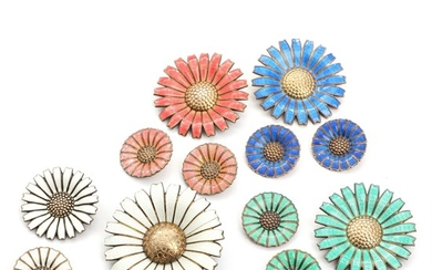 Five gilt sterling silver Daisy brooches and four pairs of ear clips embellished with coloured enamel. Manufactured by A. Michelsen. Diam. 2.4–5 cm. (13)