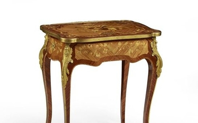 LOUIS STYLE TABLE CHIFFONNIERE XV