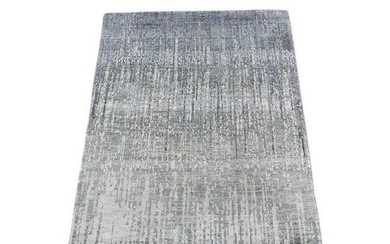 Ombre Design Pure Silk Hand-Knotted Oriental Rug