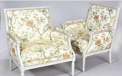 Pair of LOUIS XVI MARQUISES of rectangular shape in cream-coloured rechampi wood. Curved armrest brackets. Tapered base with grooves and rough edges. Stamped Michel GOURDIN. Ep.XVIIIth century. L.78 P.63 H.93.