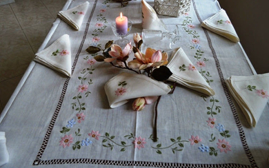 Rich 100% pure linen tablecloth for 12 - with hand embroidered satin stitch