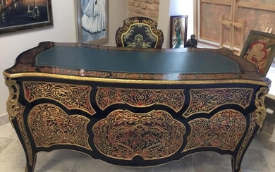 Writing desk, A Boulle style engraved brass marquetry and ebony finish cabriole legs desk - Napoleon III Style - Brass, Bronze, Wood - 19th century