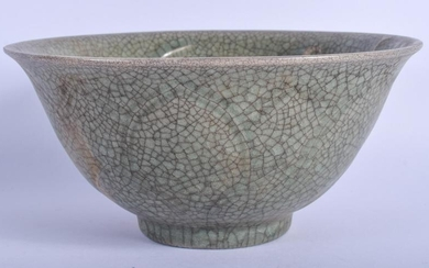 A CHINESE CELADON GE TYPE POTTERY BOWL 20th Century. 16