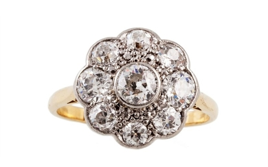 A DIAMOND DAISY CLUSTER RING, of approx. 1.70ct in total, mo...