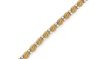 A VINTAGE DIAMOND BRACELET, CARTIER CIRCA 1960 in 18ct